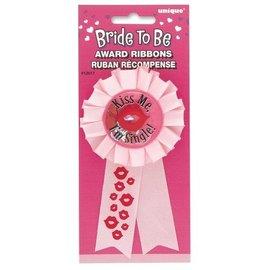 Button-Kiss me im Single