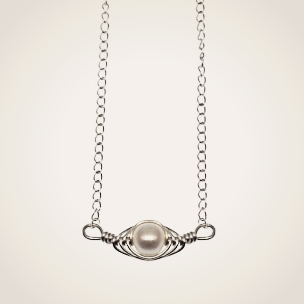 Silver Horizontal Pea Pod Necklace