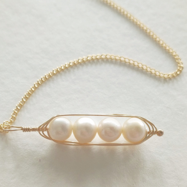 Gold Vertical Pea Pod Necklace