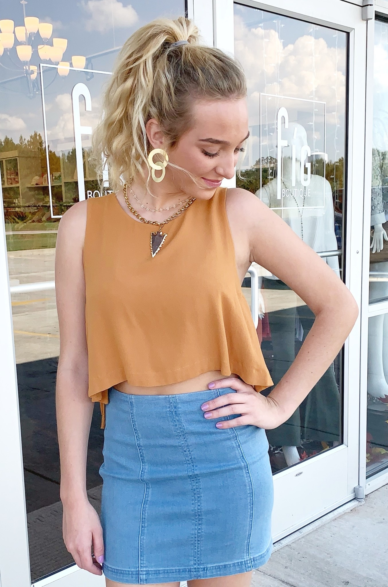 Sleeveless Camel Cropped Top