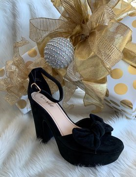 Class Act Black Heels With Bow