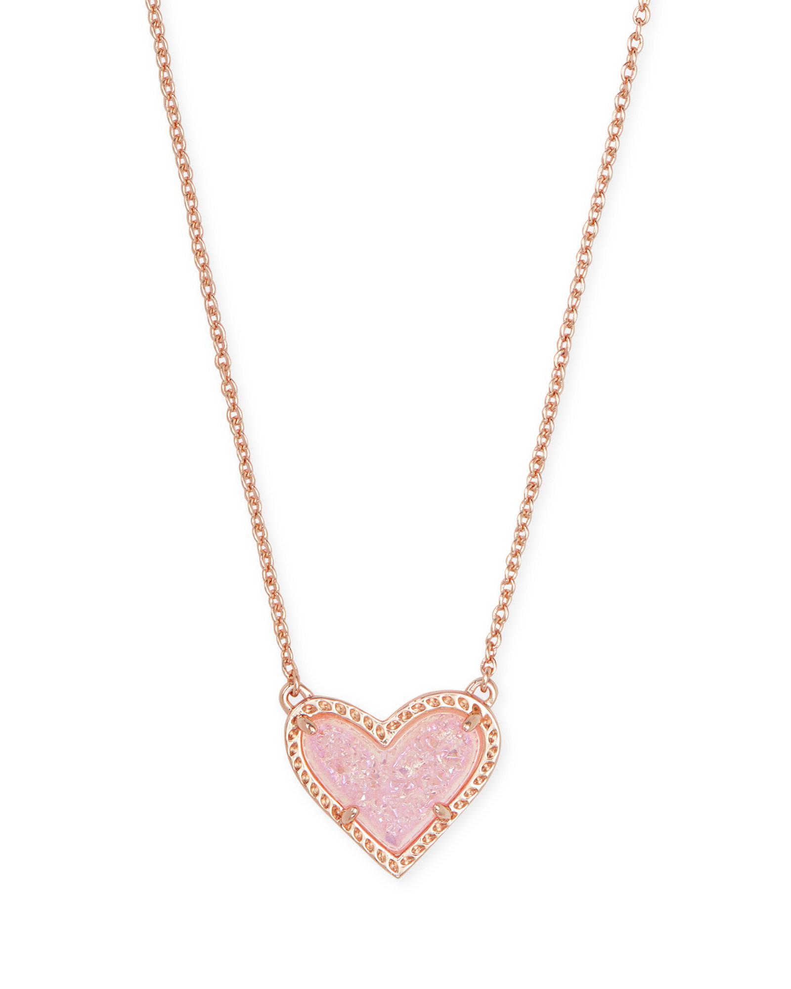 Ari Heart Short Pendant