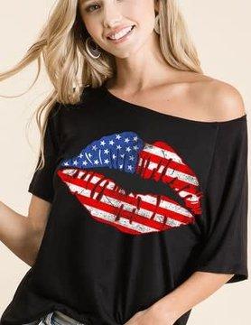 Loose Fit American Flag Lips Raglan Top in Black