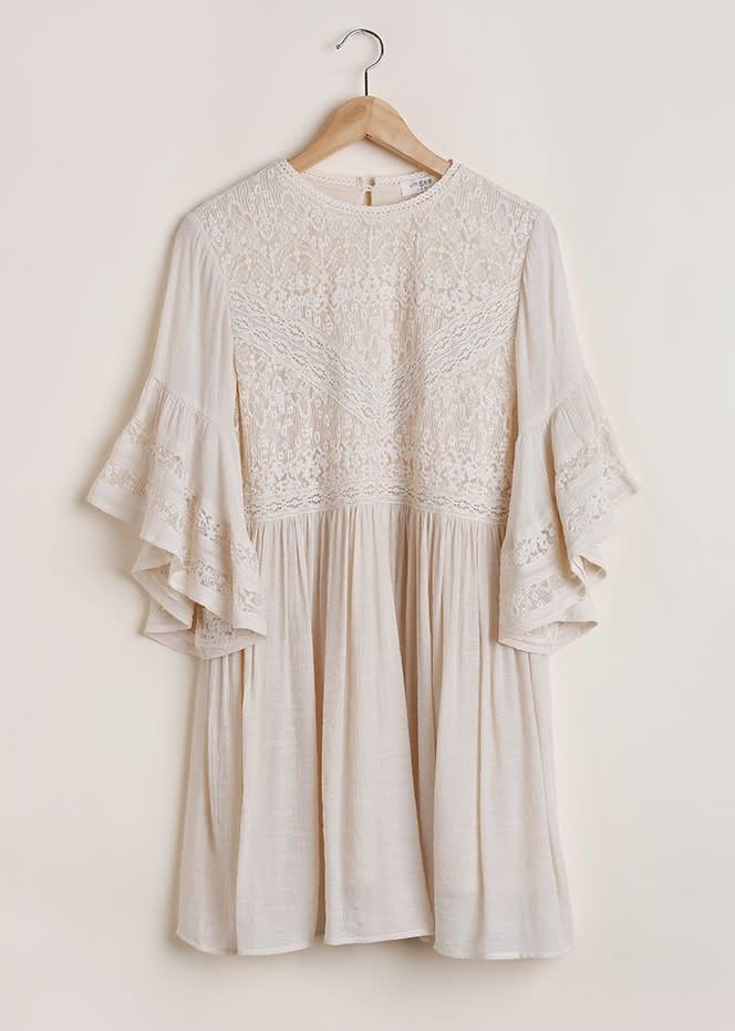 Bell Sleeved Dress w/ Lace Dettail & Keyhole Back