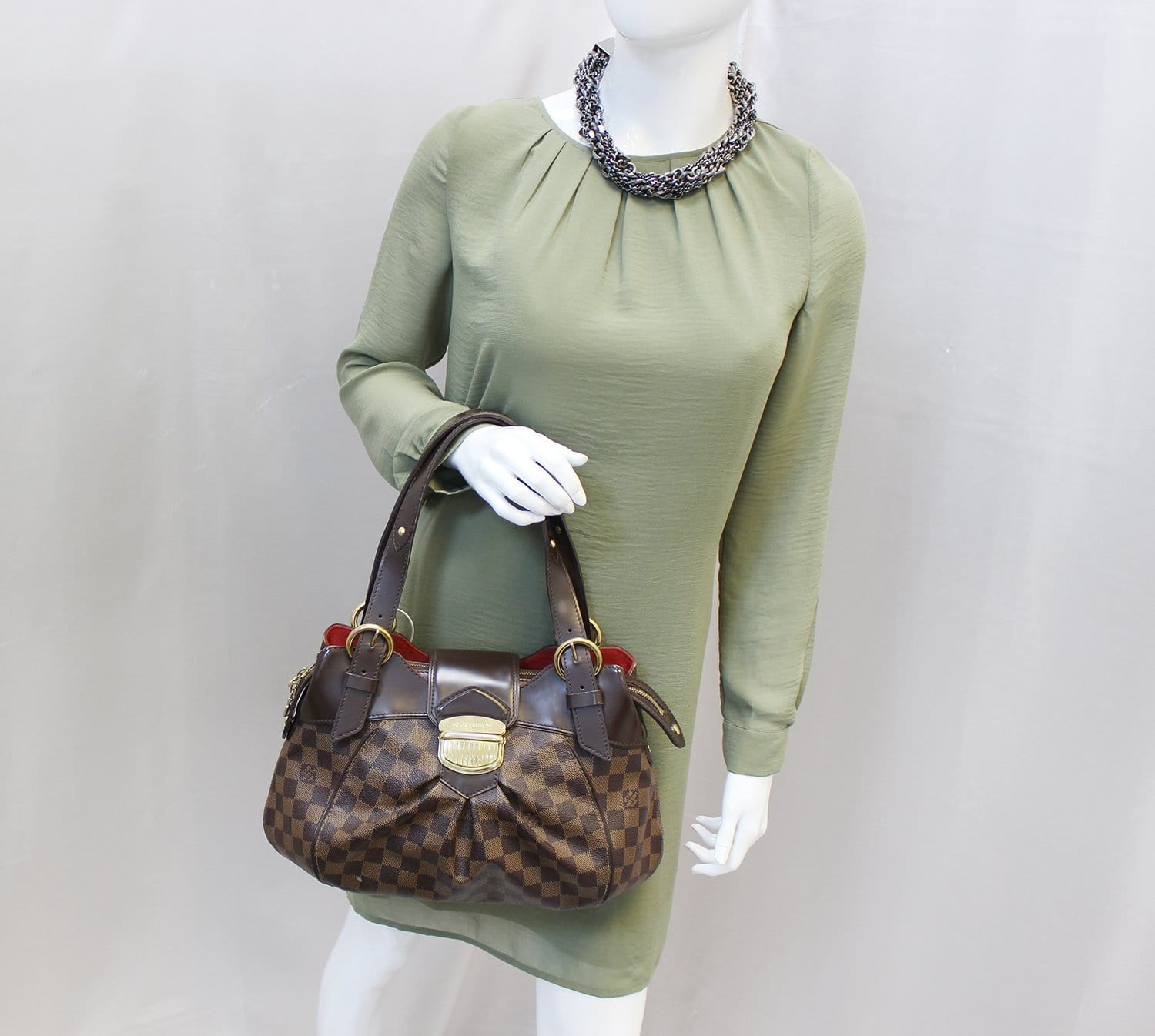 22571 Louis Vuitton Sistina PM