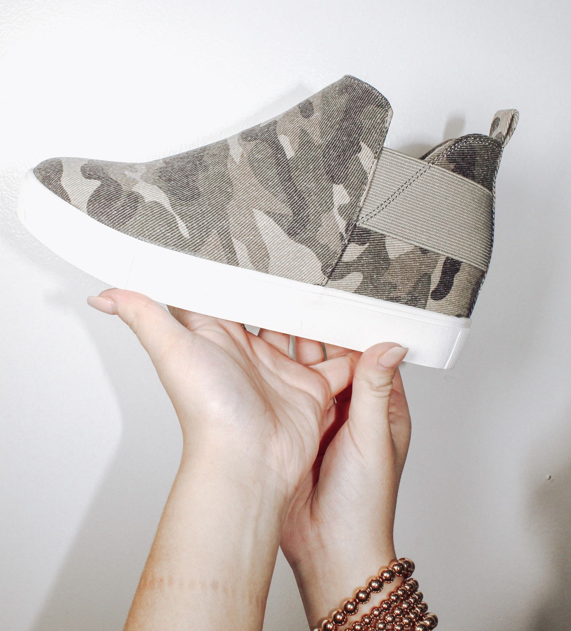 Trendy Hightop Sneaker