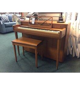 Gulbransen Pinafore Gulbransen Spinet Piano