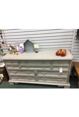 Bassett Furniture Co. 10 Drawer Empire Gray Dresser