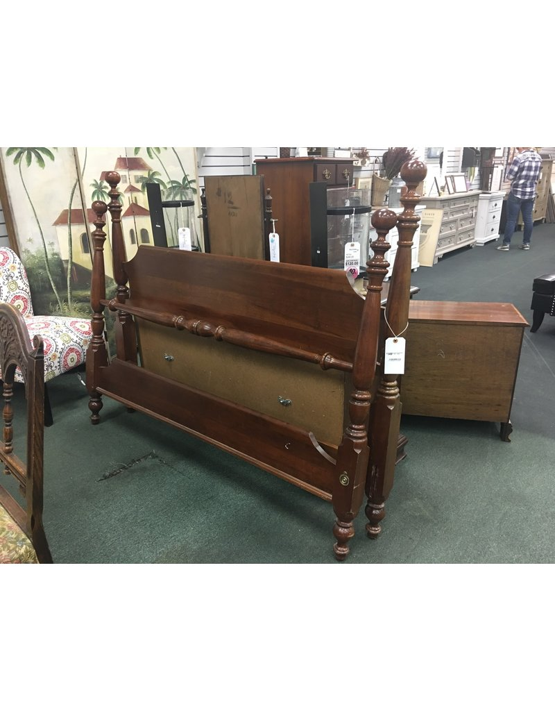 Cherry Colonial Style Bed - Queen