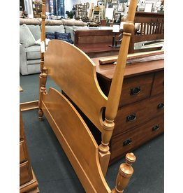 Solid Maple Federal Style Poster Bed - Full Size