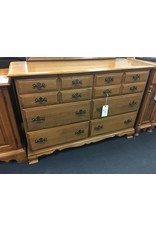 Sterlingworth Corp. Colonial Style 6 Drawer Dresser w Mirror