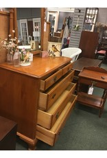 Kling Maple 5 Drawer Dresser w Mirror