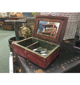 Vintage Barber Box-R