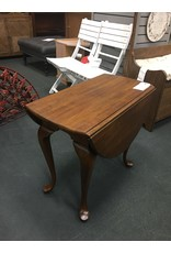 Queen Anne Style Drop Leaf End Table