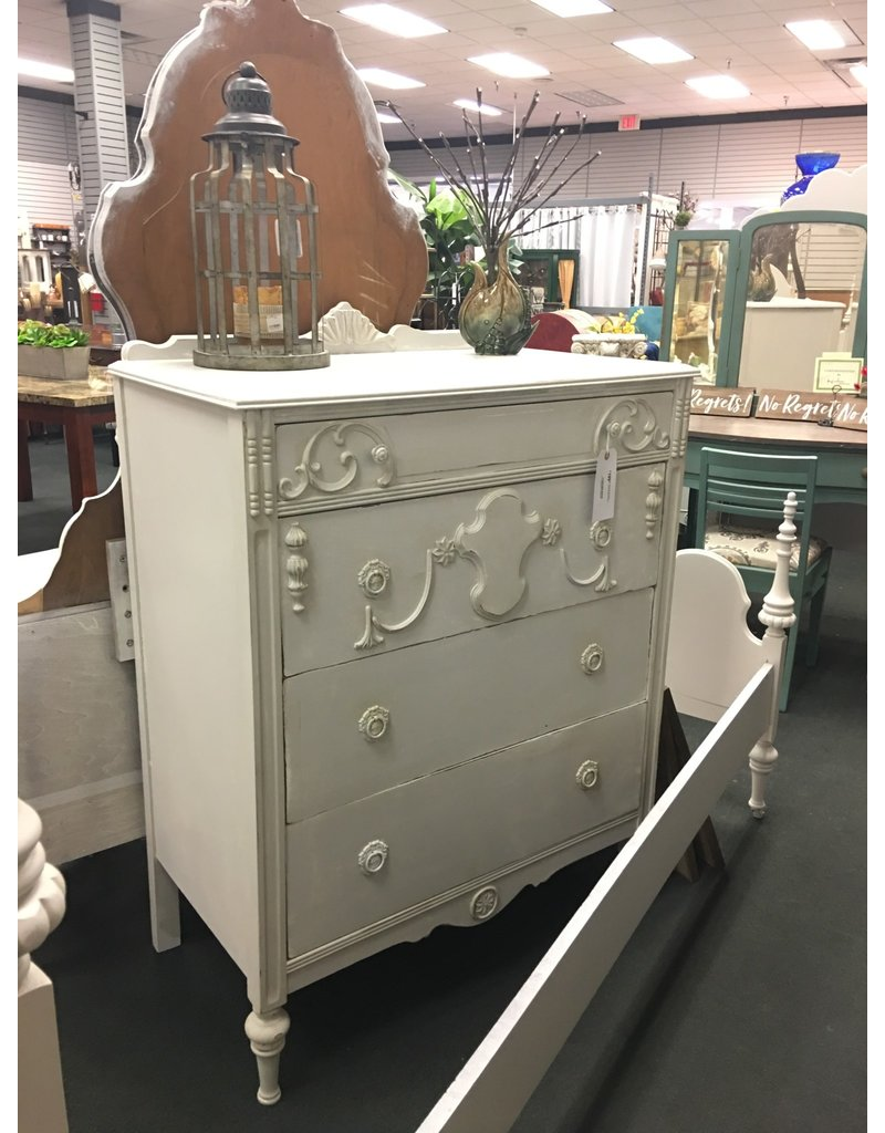 Ornate Seagull Gray Painted 4 Drawer Chest