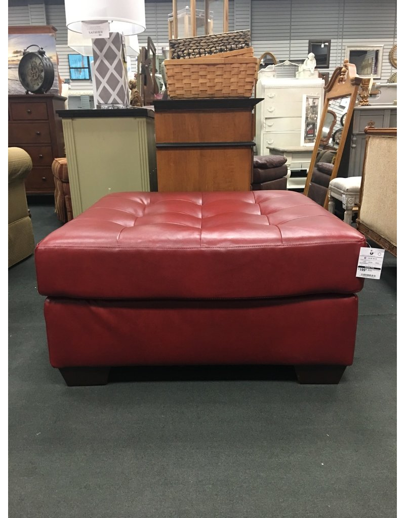 Red Barrel Studio® Bellville Tufted Cocktail Ottoman