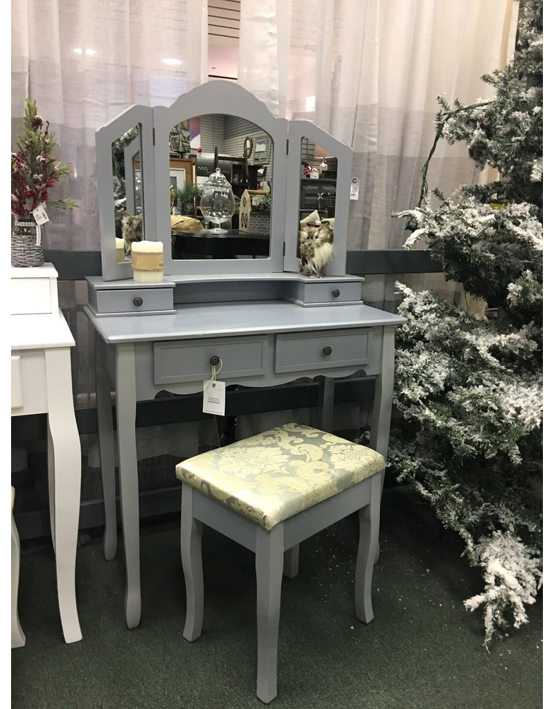 Silver Tri-Mirror Vanity w 4 Drawers