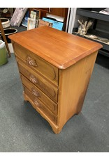 Small 4 Drawer Dresser w/ Carved