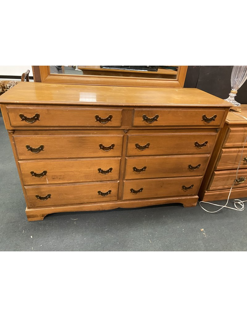 Maple 8 Drawer Dresser w/ Mirror