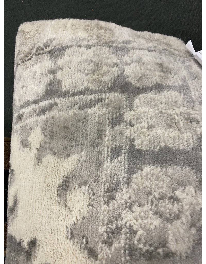 Taelyn Oriental Ivory Area Rug