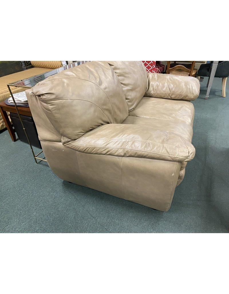 Tan Leather 2 Cushion Loveseat