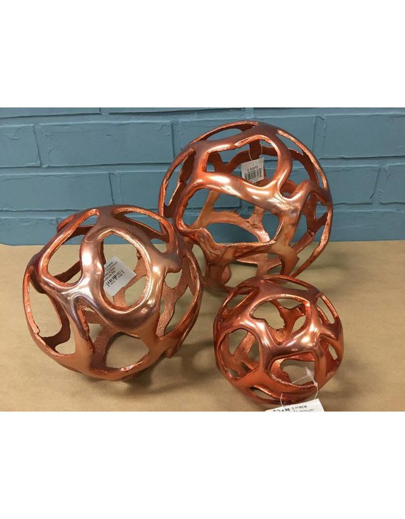 Cole & Grey 3 Piece Aluminum Decorative Ball Sculpture Set