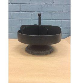 Distressed Black Display Spinner