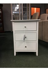 Lark Manor Ovellette 3 Drawer Nightstand