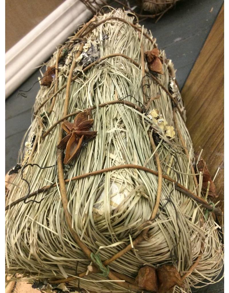 Straw Bale w/ Rusty Accents 3x6