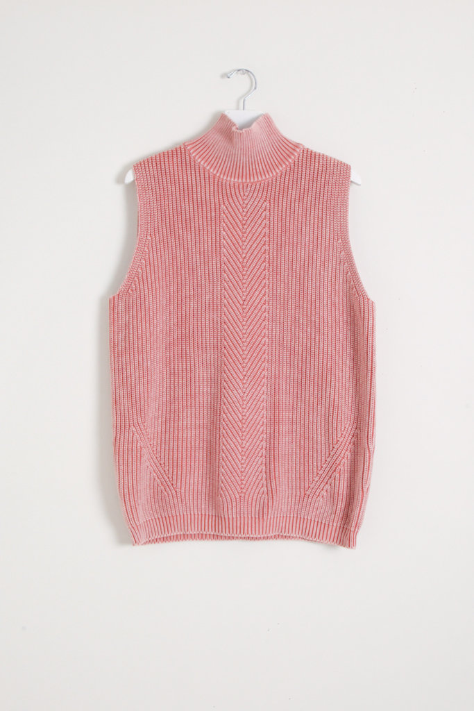 Demy Lee Sariah Sweater Vest
