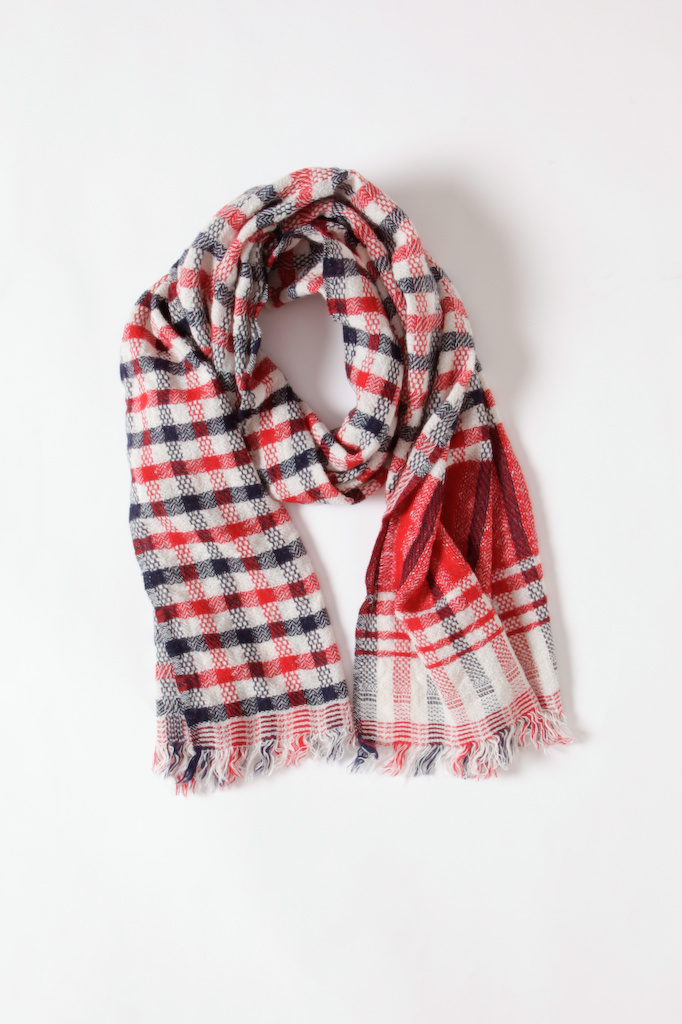 Inouitoosh Wool Scarf in White, Red and Black Check