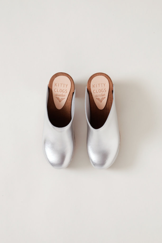 Kitty Clogs Metallic Klassik Mid Heel Clog