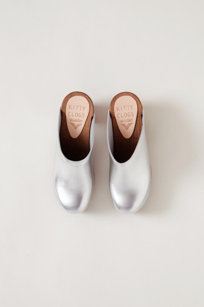 Kitty Clogs Metallic Klassik Mid Heel Clog- Multiple Colors