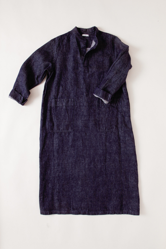 Linen Tunic-Style Dress with Notched Mandarin Collar