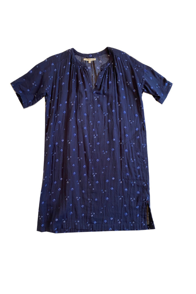 Xirena Short Sleeve Dress with Splitneck