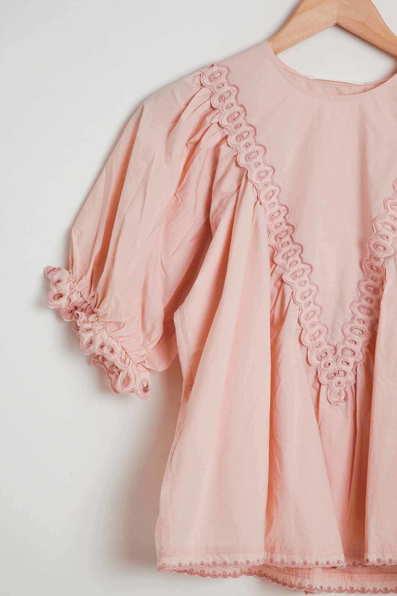 The Great Scallop Detail Top