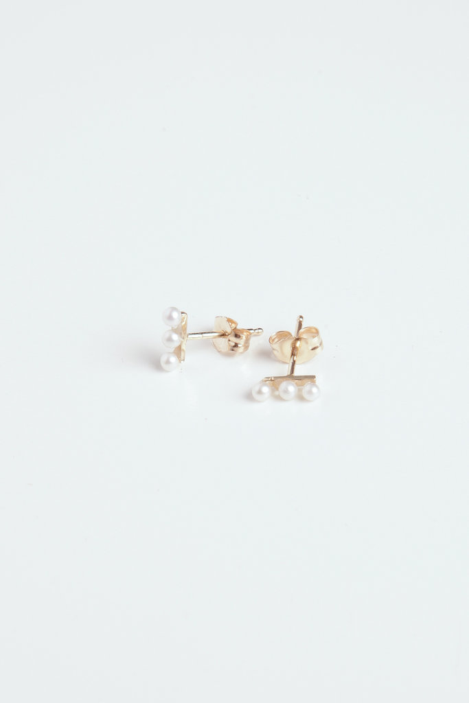 Hortense Mini Pearl Bar Studs