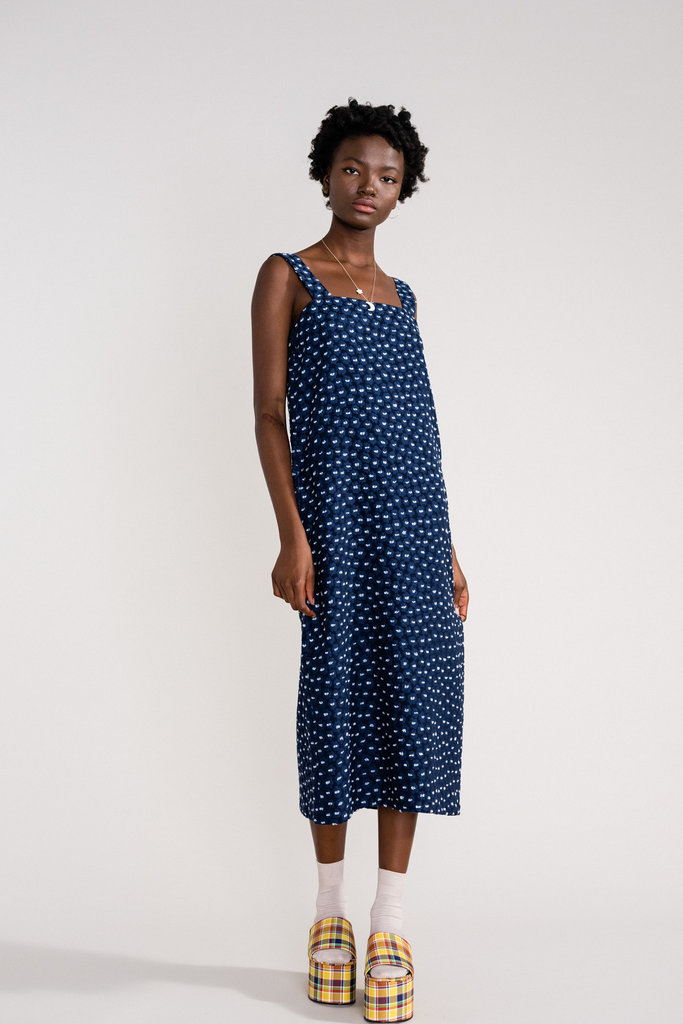 Hansel From Basel Sleeveless Blue Midi Dress with Daisy Embroidery
