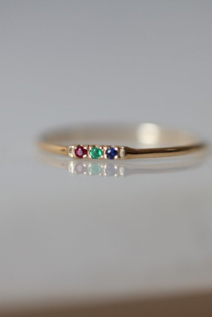 Gjenmi Gjenmi Superbloom Tic Tac 14KT Gold Emerald, Ruby and Sapphire Ring