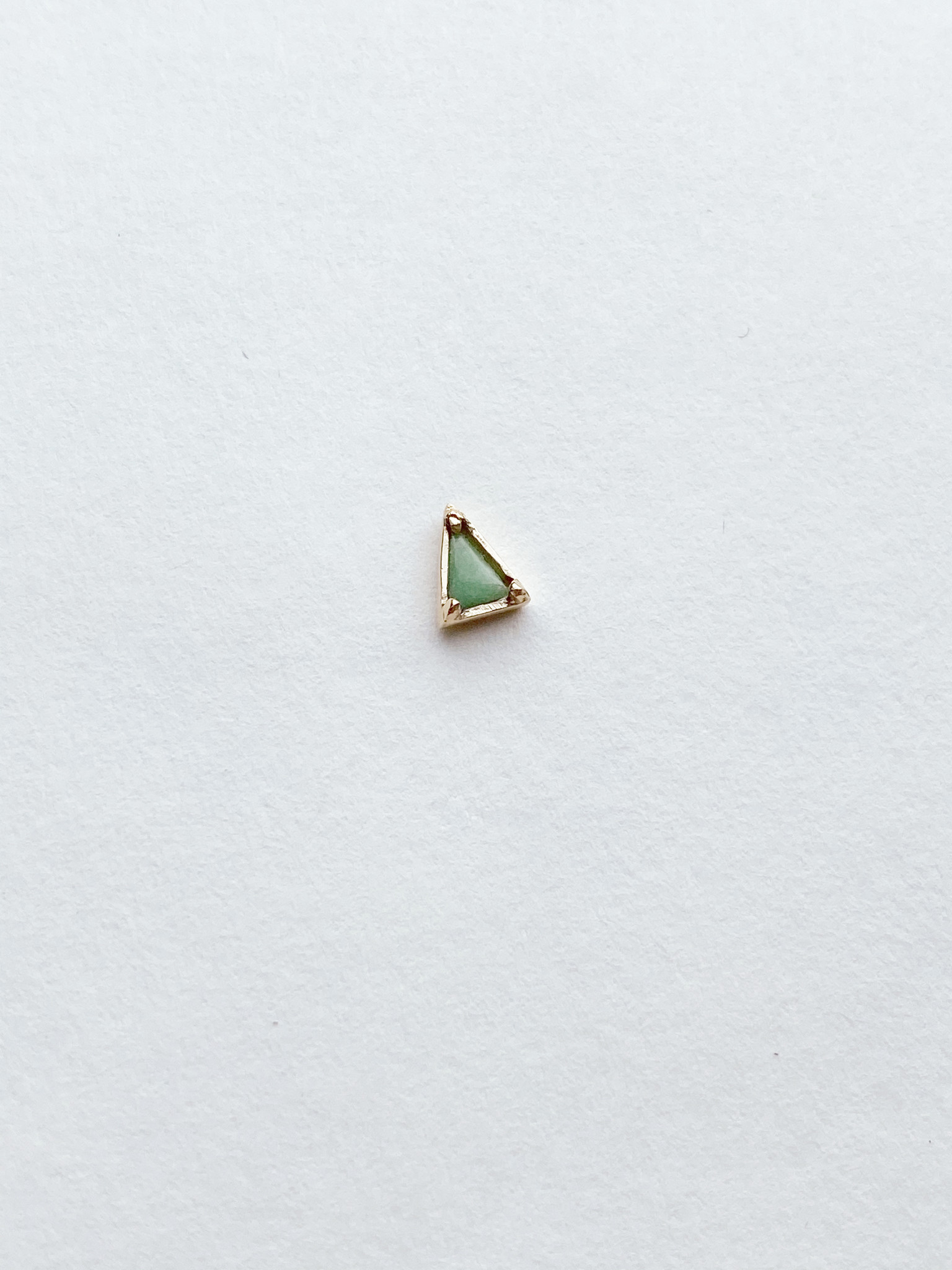 Mociun Single triangle stud - Multiple gems