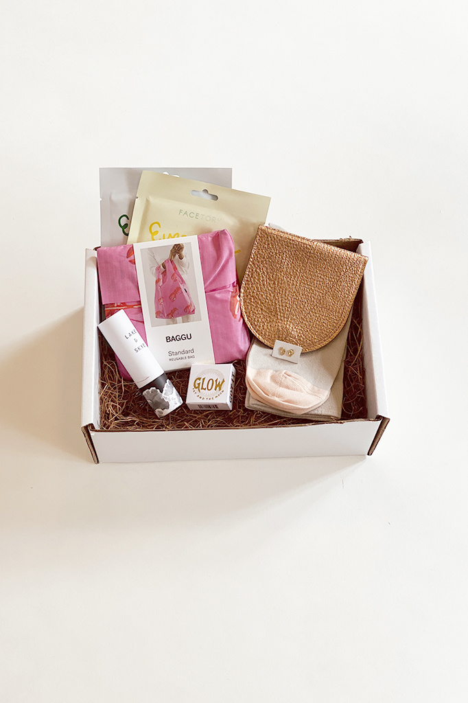 A. Cheng Glamour Deluxe Kit