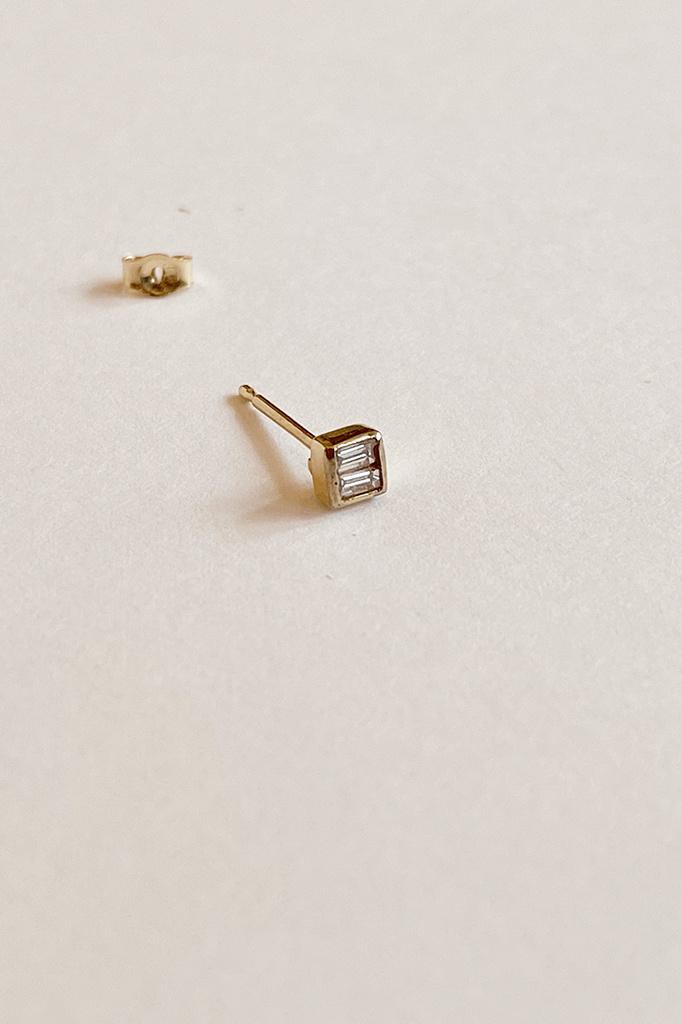 Mociun Square Diamond Single Stud