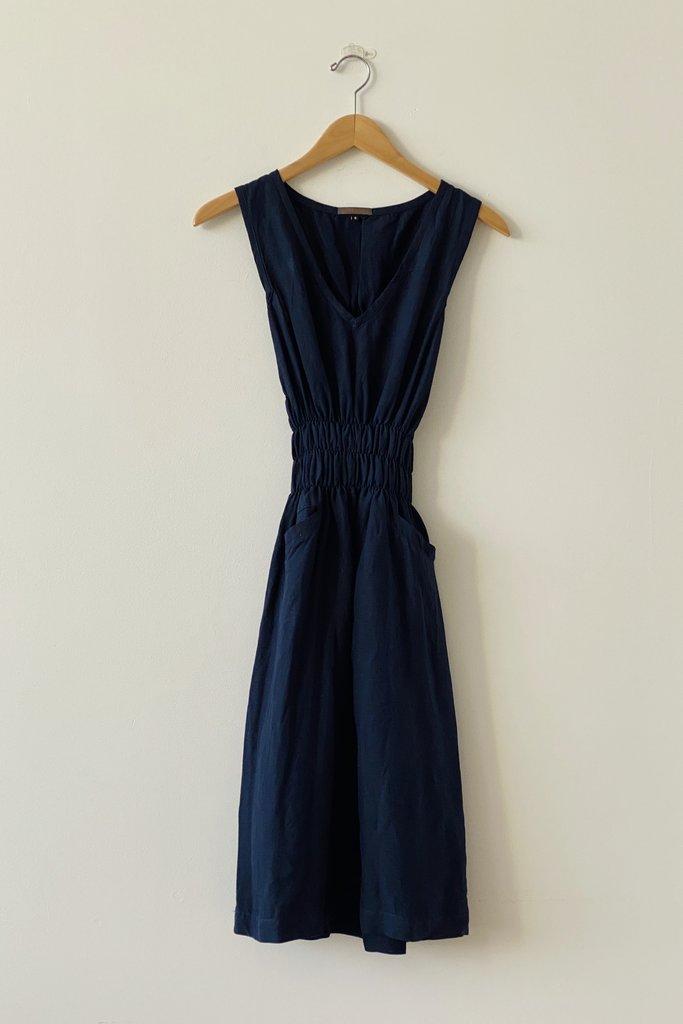 Modaspia Fiji Sleeveless V-Neck Dress - L