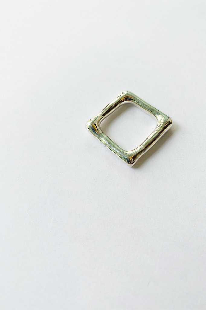 Jane D'Arensbourg Metal Org Square Ring in Silver