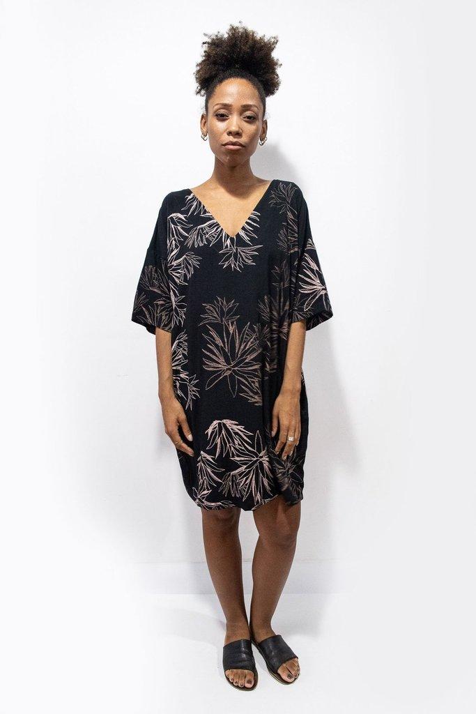 Tonle Tonle Veha Kaftan-Style Cactus Print Dress