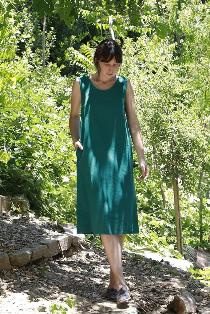 Me & Arrow Me & Arrow Sleeveless Dress in Teal -M