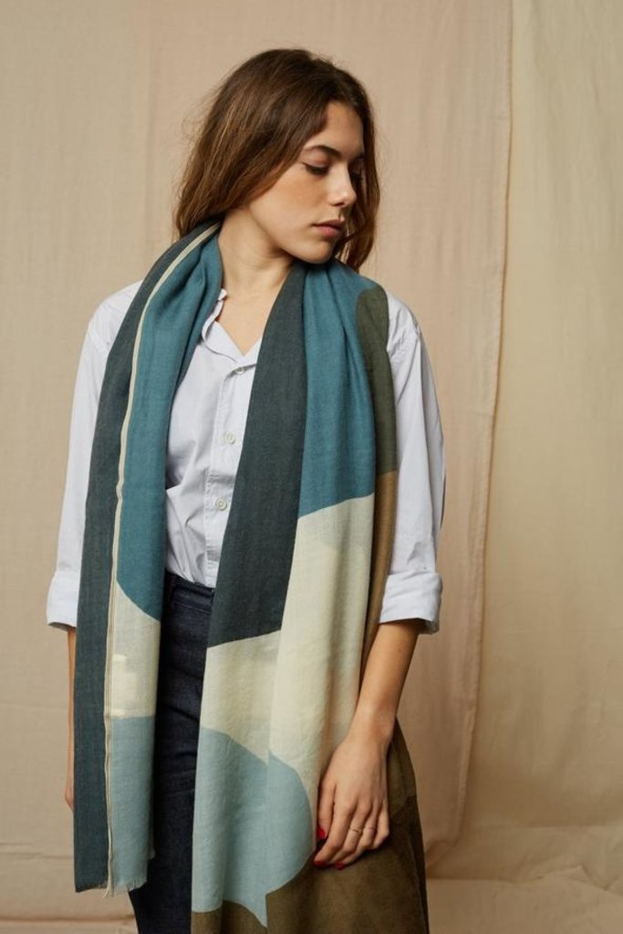 Mois Mont 45602 Wide Wool Scarf Japan Blue