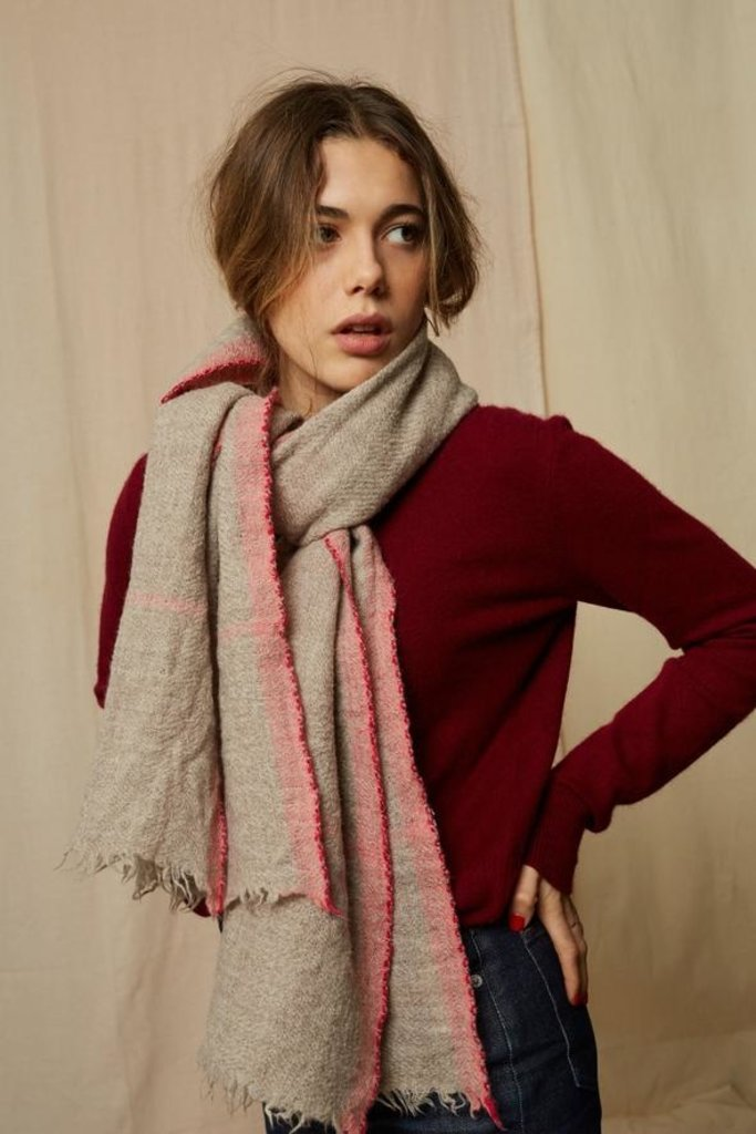 Mois Mont 47301 Beige Wool Scarf with Soft Pink Pattern