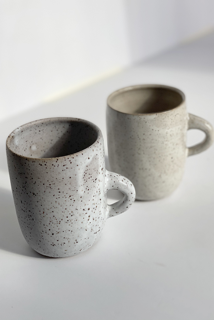 Alice Cheng Studio Large Plain Speckle Mugs