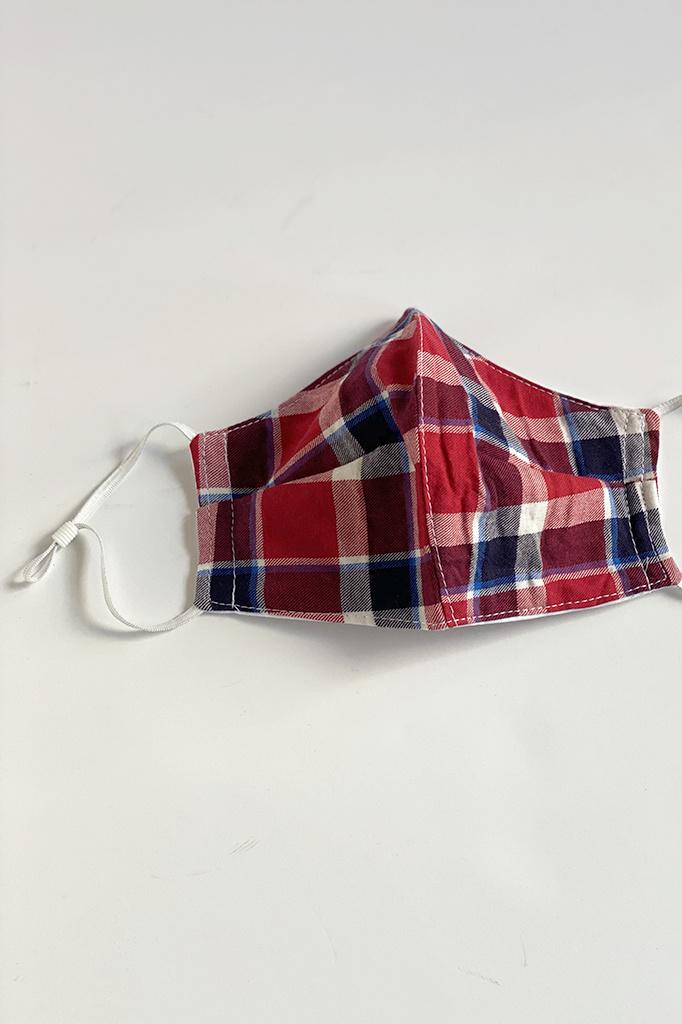 A. Cheng 3 Layer Shaped Mask Unisex